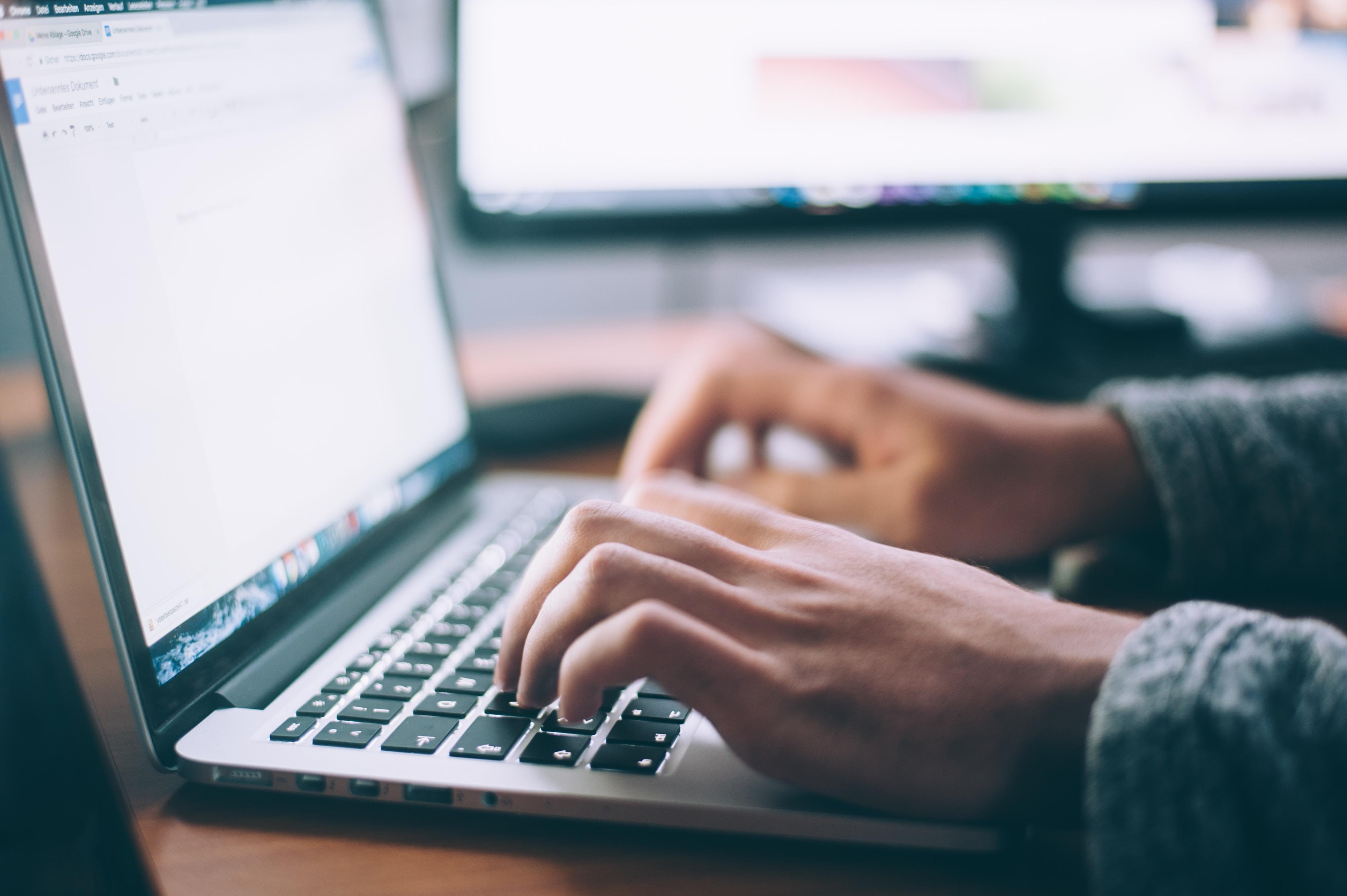 Când scriem pe blog?