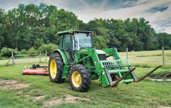 Alegerea celor mai bune tractoare John Deere pentru afacerile din domeniul agricol